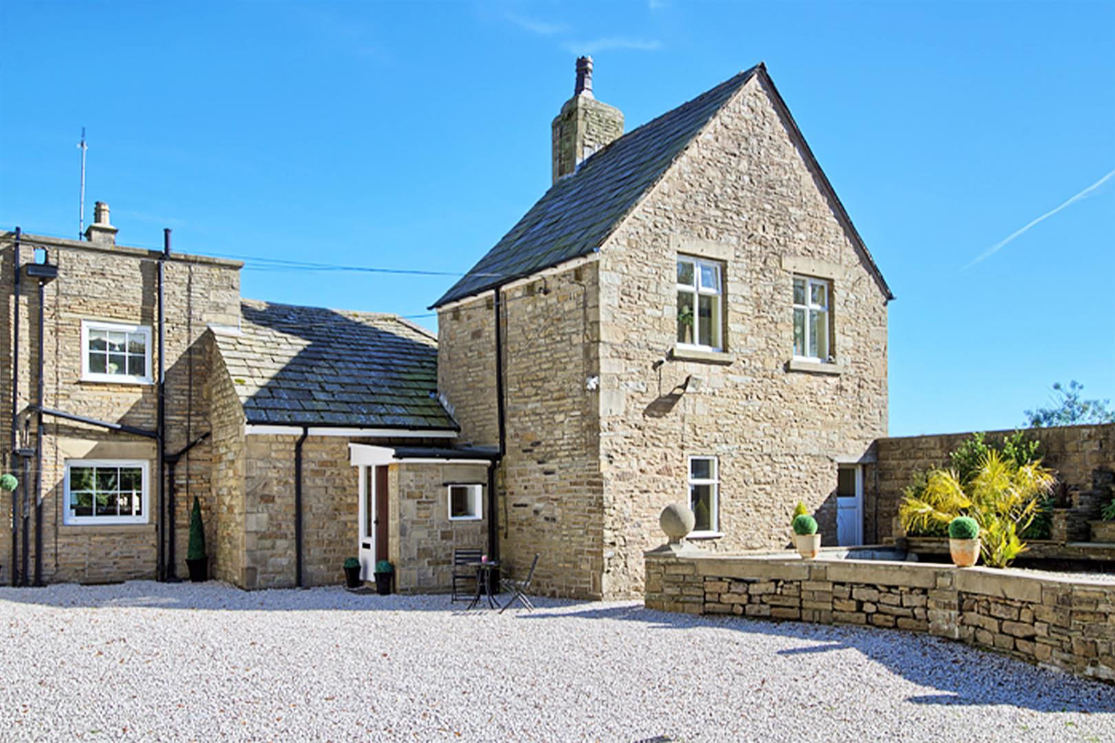 4 bedroom house For Sale in Bolton - cottage.png.
